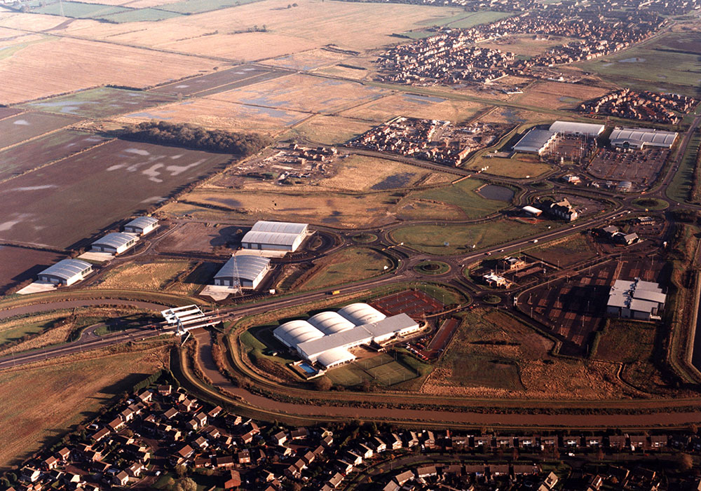 Beal Homes began work on Oakwood Site, Chevening Park. Construction of five factory units in conjunction with Yorkshire Forward. Construction and opening of Frankie and Benny's and KFC.